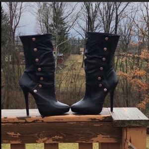 Aldo sexy snap closure heeled boots